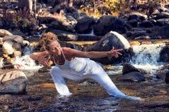 Het stromen de Vrouw van de Yoga royalty-vrije stock foto