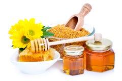 Het stuifmeel van de honing en van de bij Stock Afbeeldingen