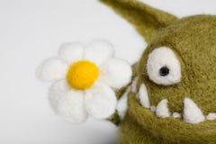 Het Stuk speelgoed Mosters van Felted met Bloem Royalty-vrije Stock Afbeeldingen