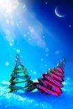 Het stuk speelgoed van de Kerstboom van de kunst op blauwe nachtachtergrond Royalty-vrije Stock Afbeelding