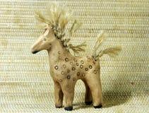 Het stuk speelgoed van de klei paard stock foto's