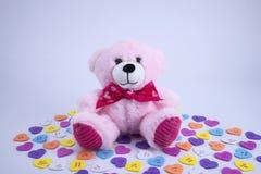Het stuk speelgoed van de valentijnskaartendag draagt royalty-vrije stock afbeeldingen