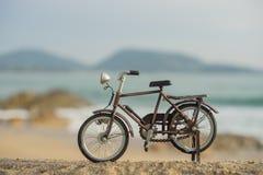 Het stuk speelgoed van het fietsvervoer Stock Afbeeldingen