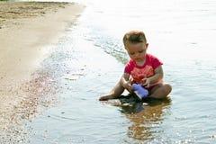 Het Stuk speelgoed van het Strand van het Spel van de baby Stock Afbeelding