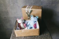 Het stuk speelgoed van zachte kinderen close-up Met de hand gemaakt speelgoed royalty-vrije stock foto