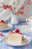 Het stuk van mascarpone omfloerst cake Royalty-vrije Stock Afbeelding