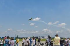 Het stuntvliegtuig bij lucht toont Royalty-vrije Stock Afbeeldingen