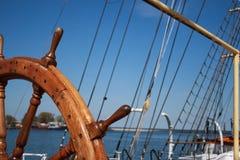 Het stuurwiel van het schip `s Stock Afbeelding