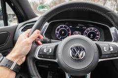 Het stuurwiel van Volkswagen Tiguan 2017 Stock Foto's