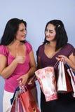 Het succesvolle vrouwen winkelen Royalty-vrije Stock Fotografie