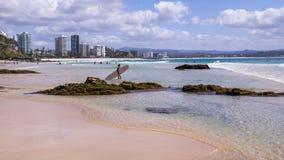 Het surfen bij Surfersparadijs royalty-vrije stock foto's