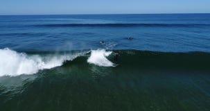 Het surfen in Marokko Lucht Mening copter stock video