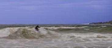 Het surfen van de Atlantische Brekers Stock Afbeeldingen