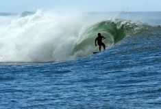 Het surfen van een vat Royalty-vrije Stock Foto's