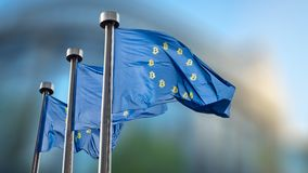 Het Symbool van de Bitcoinmunt op de EU-Vlag Royalty-vrije Stock Afbeelding
