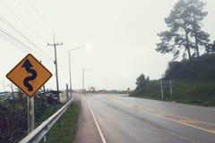 Het symbool van de verkeerstekenweg in de kant van het land Royalty-vrije Stock Afbeelding