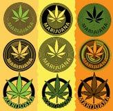 Het symbool van het het bladontwerp van de marihuanacannabis Stock Foto's