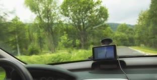 Het systeemgps van de auto satellietnavigatie apparaat Stock Afbeeldingen
