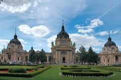 Is het Szechenyi Geneeskrachtige Bad in Boedapest, Hongarije, het grootst me Stock Afbeeldingen