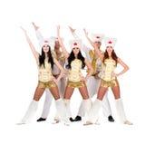 Het team die van de danser een volkscossackkostuums dragen Stock Foto's
