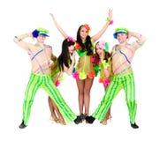 Het team van de danser dragen volks Oekraïense kostuums Stock Fotografie