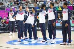 Het Team van de basketbalv.s. Stock Afbeeldingen