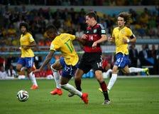Het team van Duitsland en van Brazilië tijdens de de Wereldbekerhalve finales van 2014 Stock Afbeelding