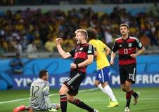Het team van Duitsland en van Brazilië tijdens de de Wereldbekerhalve finales van 2014 Stock Foto