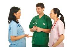 Het teammededeling van artsen Stock Afbeeldingen