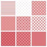 Het tegelpatroon plaatste met roze en witte plaid, strepen en stippenachtergrond Stock Afbeeldingen