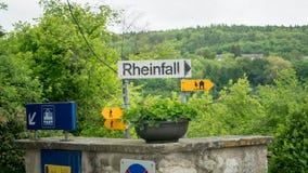 Het teken die de Duitse naam van de Rijn dragen valt Rheinfall Royalty-vrije Stock Foto