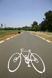 Het teken van Cyclelane op tarmac royalty-vrije stock afbeeldingen