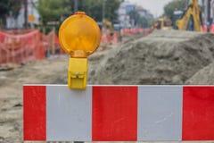 Het teken van de bouwbarrière met gele waarschuwing ligh Royalty-vrije Stock Foto's