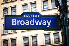 Het Teken van de Broadwaystraat de Stad in van Manhattan, New York Stock Foto