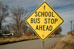 Het Teken van de Bushalte van de school stock foto's
