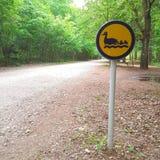 Het teken van de eendweg in een park Royalty-vrije Stock Afbeeldingen