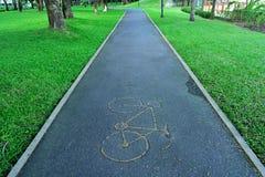 Het teken van de fiets liep met een groene kant Royalty-vrije Stock Foto's