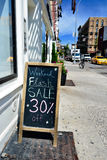 Het teken van de flitsverkoop in New York Stock Afbeeldingen