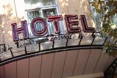 Het teken van de hotelingang in Parijs royalty-vrije stock foto