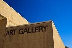 Het Teken van de kunstgalerie op het Museum van de Kunst van de Staat in Brisbane Stock Foto