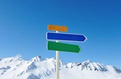 Het teken van de pijl in bergen Royalty-vrije Stock Afbeelding