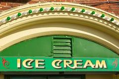 Het teken van de roomijswinkel, Brighton, Engeland stock foto