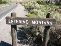 Het teken van de Staat van Montana bij het noorden van de Mammoet Hete Lentes Royalty-vrije Stock Foto's