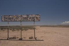 Het teken van de steenbokskeerkring in Namib-woestijn, Namibië Stock Afbeelding