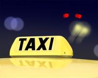 Het teken van de taxi bij nacht Stock Foto