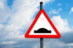 Het teken van de verkeersdrempel stock foto