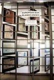 Het teken van het apartheidsmuseum naast de ingang Royalty-vrije Stock Afbeeldingen