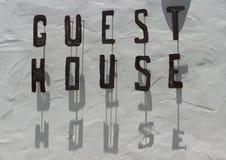Het teken van het Huis van de gast Stock Foto