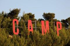 Het teken van het kamp stock foto