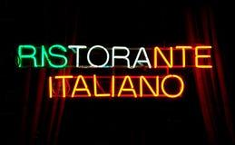 Het teken van het neon, RISTORANTE ITALIANO royalty-vrije stock foto's